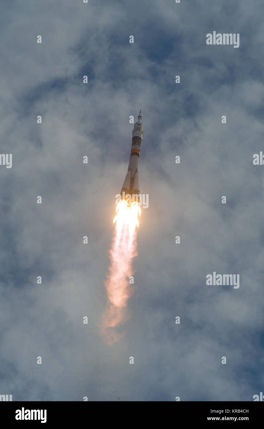 The Soyuz TMA-05M rocket launches from the Baikonur Cosmodrome in Kazakhstan on Sunday, July 15, 2012 carrying Expedition - Stock Image
