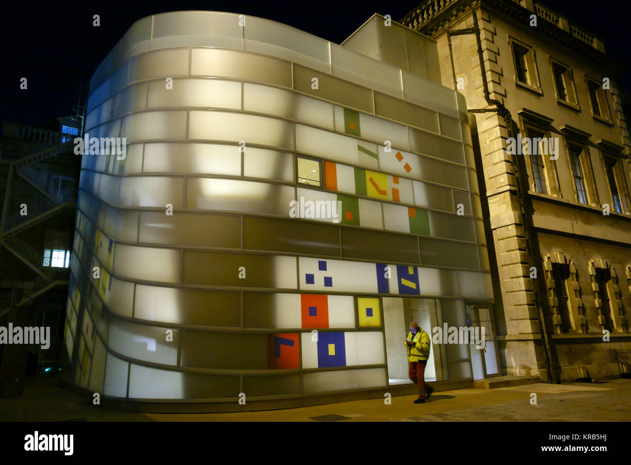 Maggie's Centre for cancer patients at St Bartholomew's Hospital, London by architect Steven Holl - Stock Image