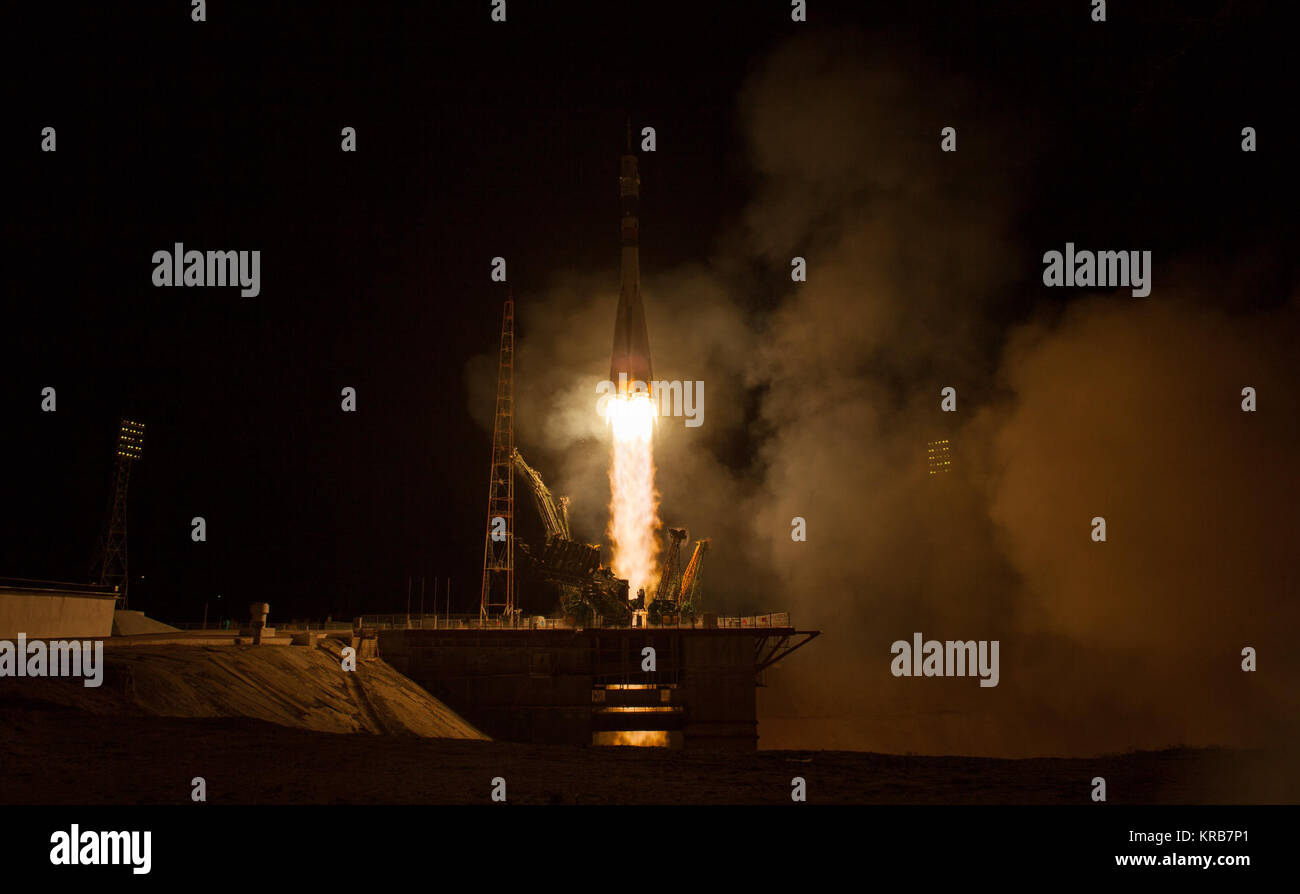 The Soyuz TMA-08M rocket launches from the Baikonur Cosmodrome in Kazakhstan on Friday, March 29, 2013 carrying - Stock Image