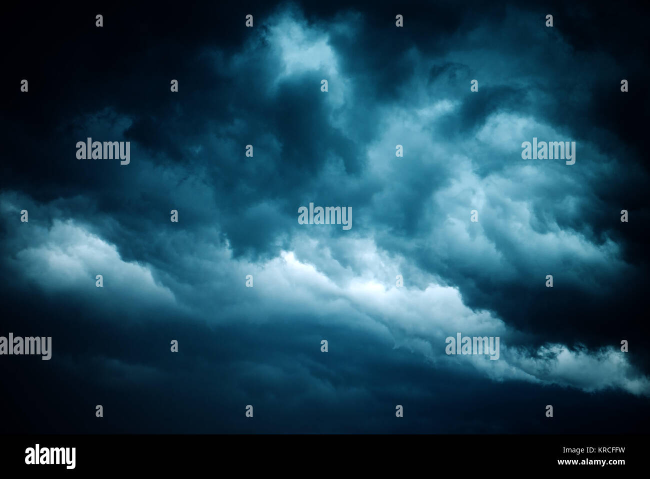 Dramatic stormy sky, dark clouds before rain. Weather, climate and meteorology background. - Stock Image