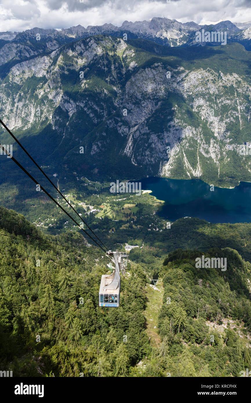 The Vogel cable car above Lake Bohinj, Triglav National Park, Slovenia - Stock Image