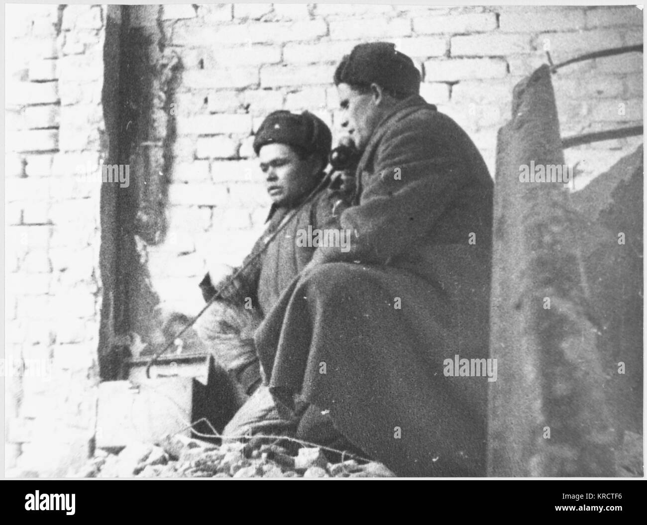 A Russian observation post in a ruined building. Date: 1942-43 - Stock Image