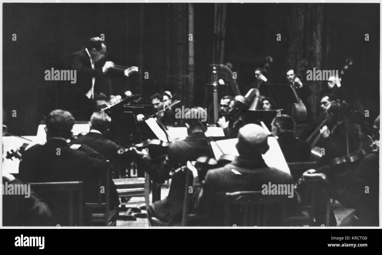 A concert given during the siege by Eliasberg of Beethoven's 9th symphony : the performance is interrupted by - Stock Image