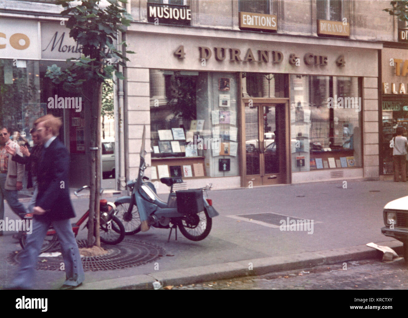 The front entrance to the shop of Durand & Cie, music publishers, Paris, France. Date: early 1960s - Stock Image