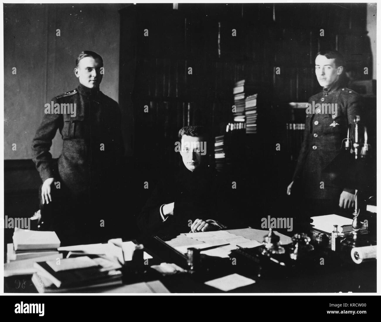 ALEKSANDR FYODOROVICH KERENSKY Russian Revolutionary leader with two of his assistants in 1917 Date: 1881 - 1970 - Stock Image
