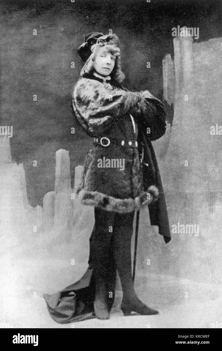 SARAH BERNHARDT English actress in the male role of Hamlet in Shakespeare's play of the same name Date: 1844 - 1923 Stock Photo