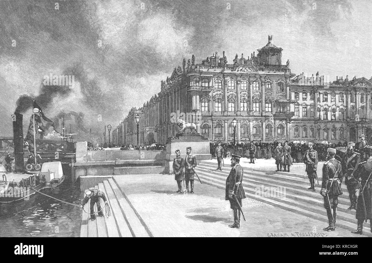 Officials and soldiers wait as  a steamboat brings important  arrivals to the steps of the  Winter Palace.  Who - Stock Image