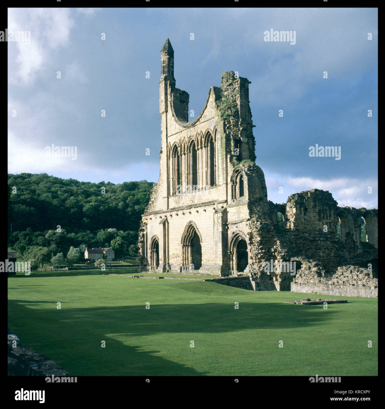 The West Front of Byland  Abbey, North Yorkshire,  England.        Date: founded 1135 - Stock Image