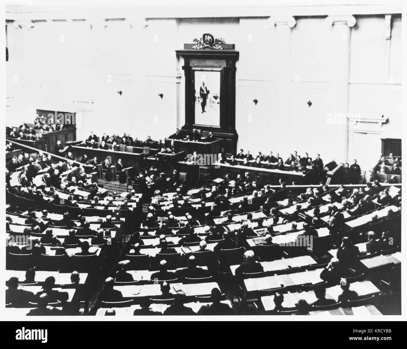 The Duma in one of its last  sessions.         Date: 1917 - Stock Image