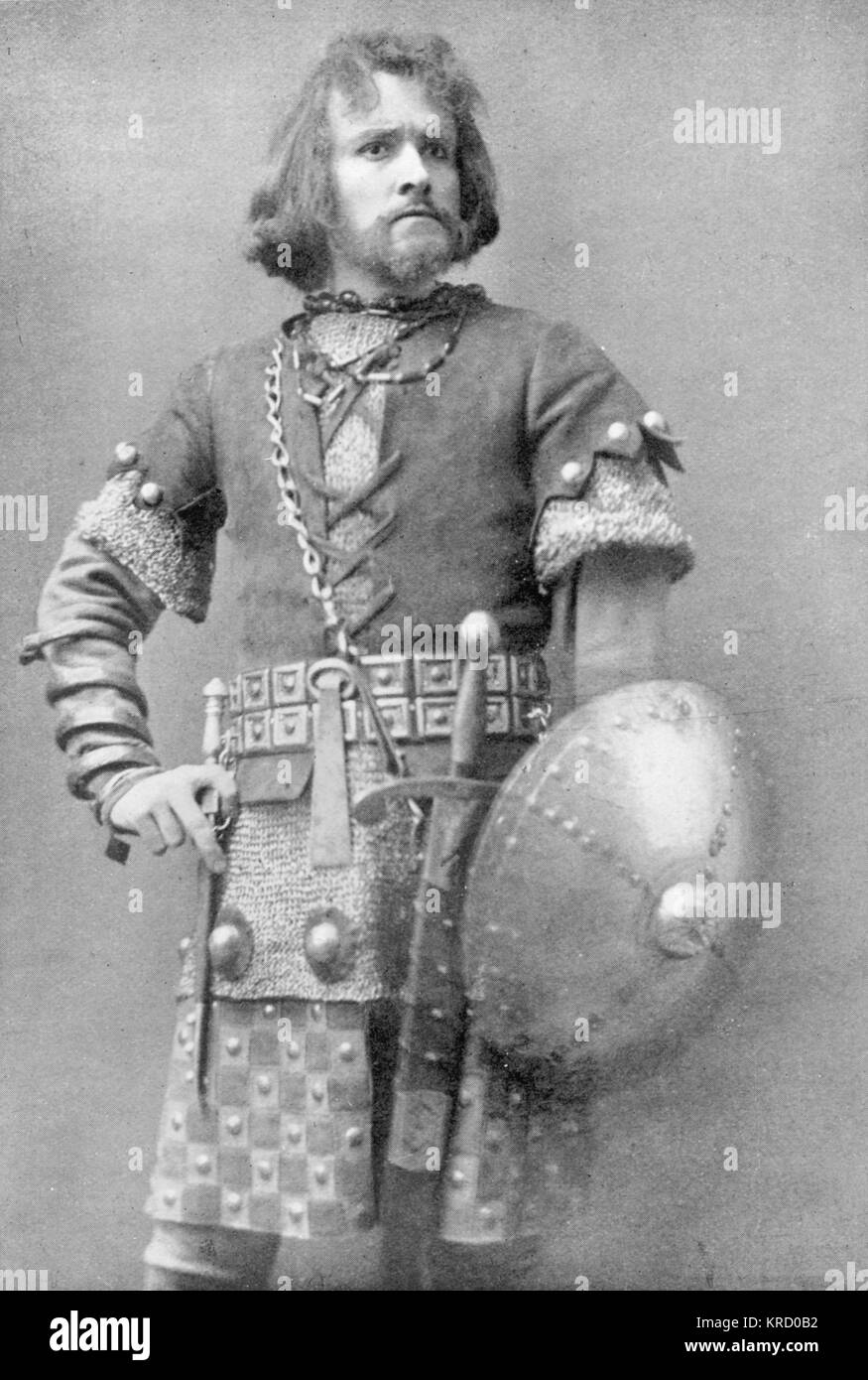 ROBERT TAYLOR  Actor in the  role of Macduff in  Shakespeare's Macbeth        Date: c. 1900 - Stock Image