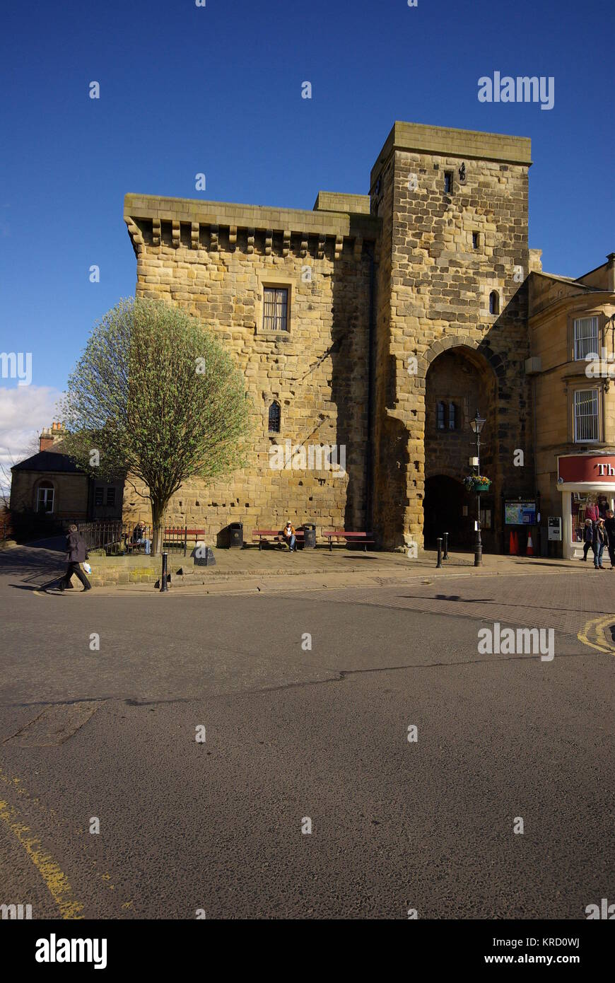 Hexham Old Gaol and Moot Hall, Northumberland.  The gaol was built in 1330-33 and is said to be the oldest purpose - Stock Image