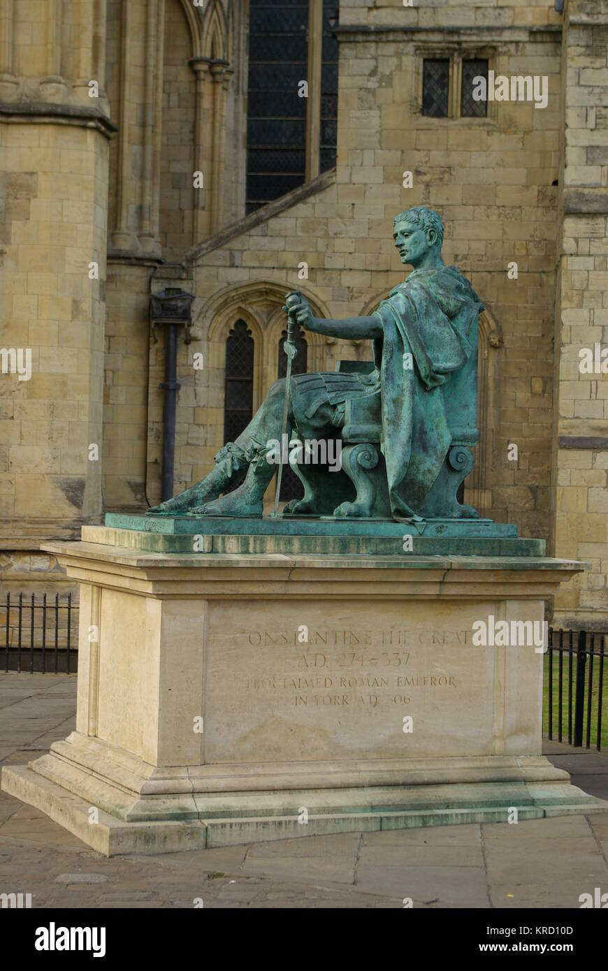 Statue of the Roman Emperor Constantine (272-337), outside York Minster.  In AD306 Constantine the Great was hailed Stock Photo