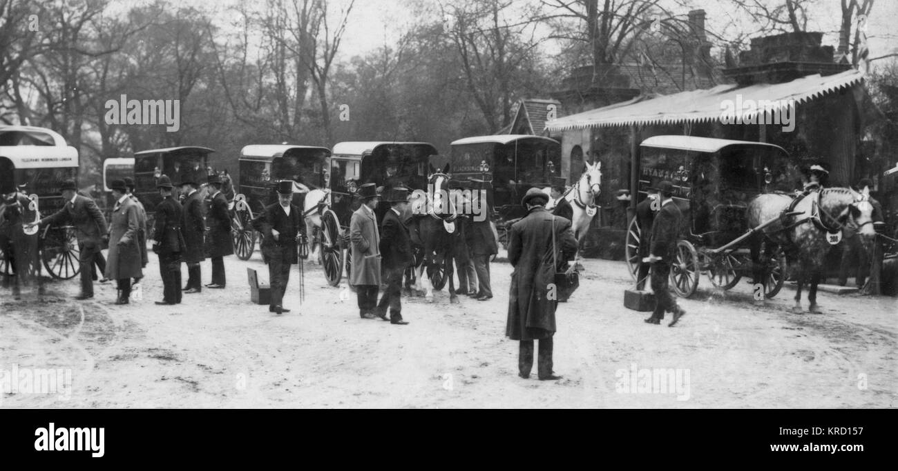 The sixth Van Horse Parade taking place on Easter Monday in Regent's Park, Central London.  On the far left - Stock Image