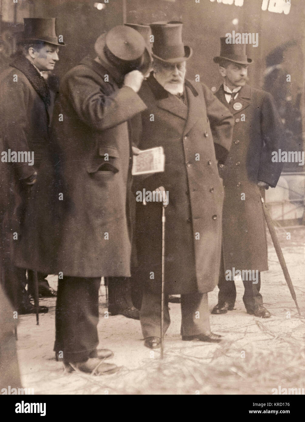 King Edward VII visiting the Smithfield Show at the Agricultural Hall in Islington, North London.       Date: 1909 - Stock Image
