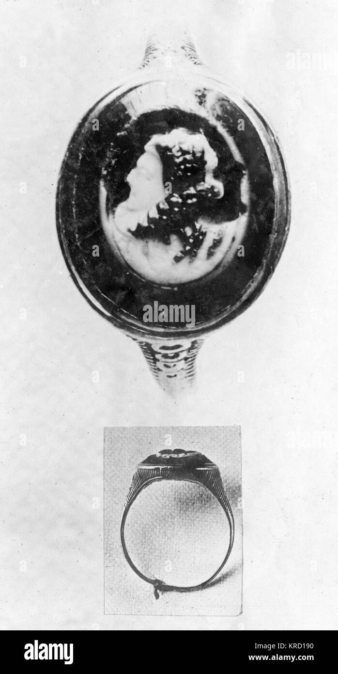 Two views of the famous Essex ring which Queen Elizabeth I is said to have given to the Earl of Essex, and which - Stock Image
