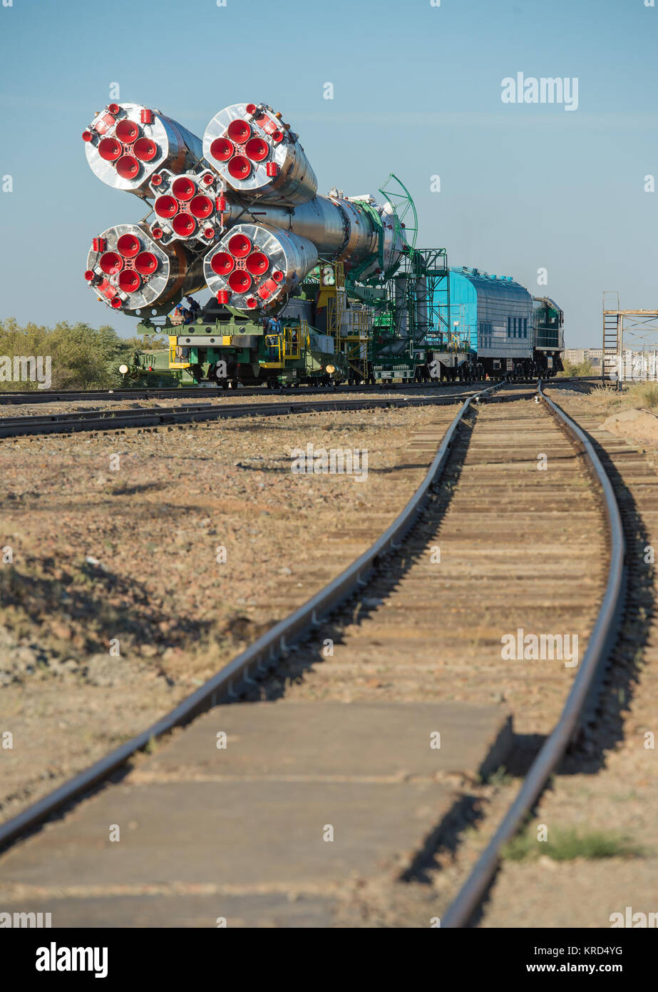 The Soyuz rocket is rolled out to the launch pad by train on Monday, Sept. 23, 2013, at the Baikonur Cosmodrome - Stock Image