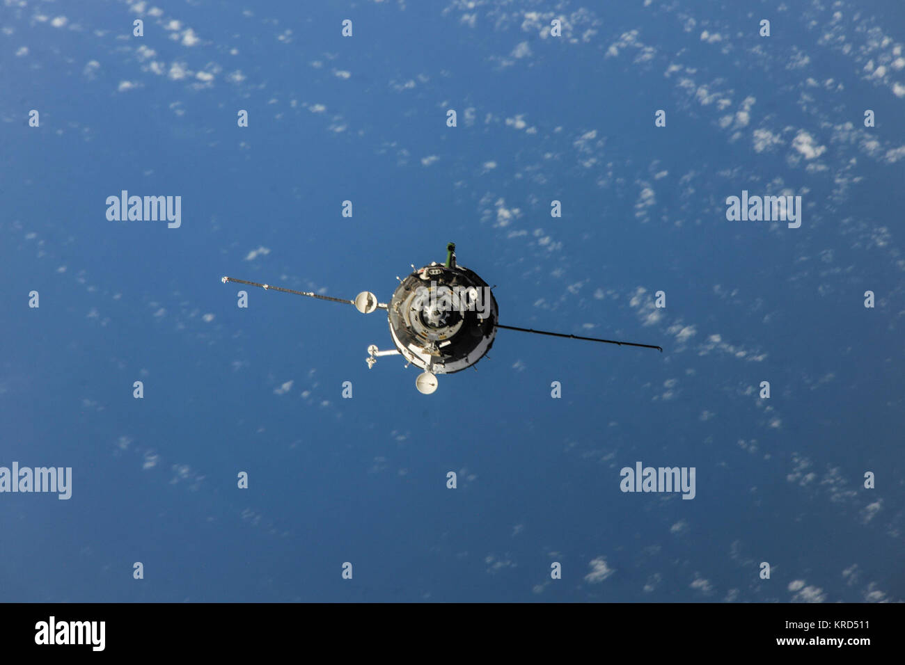 Soyuz TMA-10M approaches the ISS (2) - Stock Image