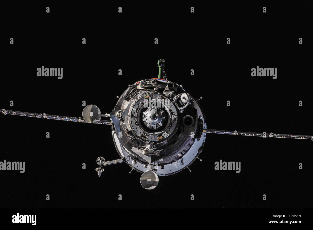 Soyuz TMA-10M approaches the ISS (6) - Stock Image