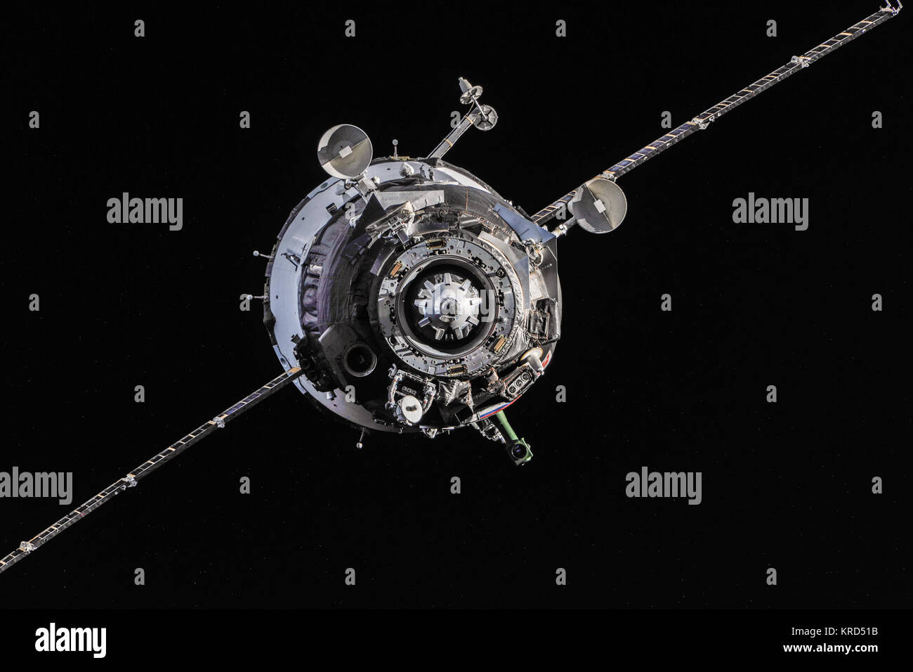 Soyuz TMA-10M spacecraft approaches the ISS - Stock Image