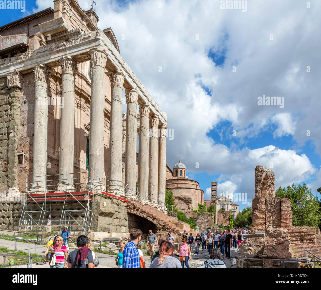 Rome, Forum. The Via Sacra with the Temple of Antoninus and Faustina to the left, Roman Forum (Foro Romano), Rome, - Stock Image