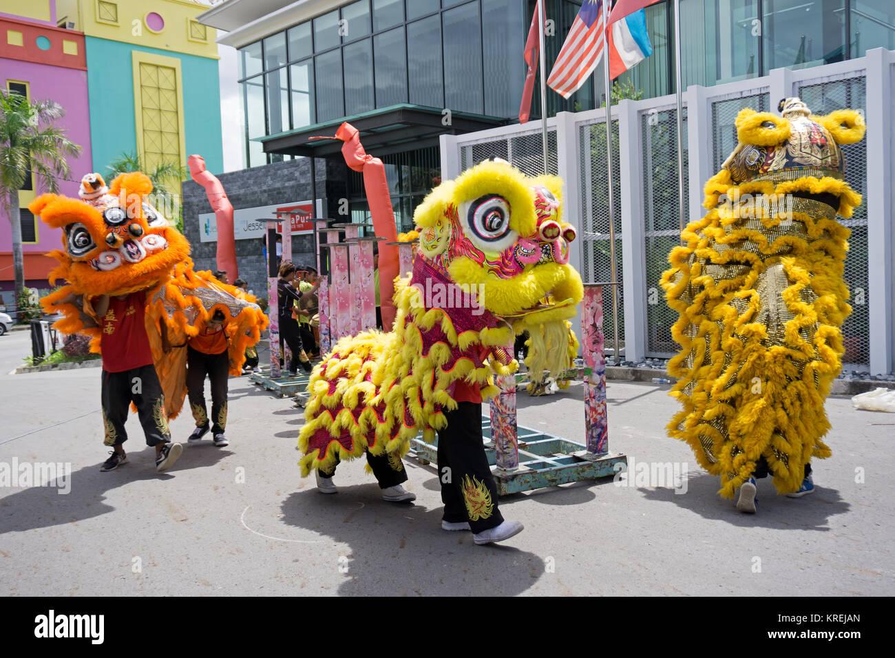 Kota Kinabalu, Malaysia - February 18, 2017: Dragon dance performance during Chinese new Year season in Sabah Borneo. - Stock Image