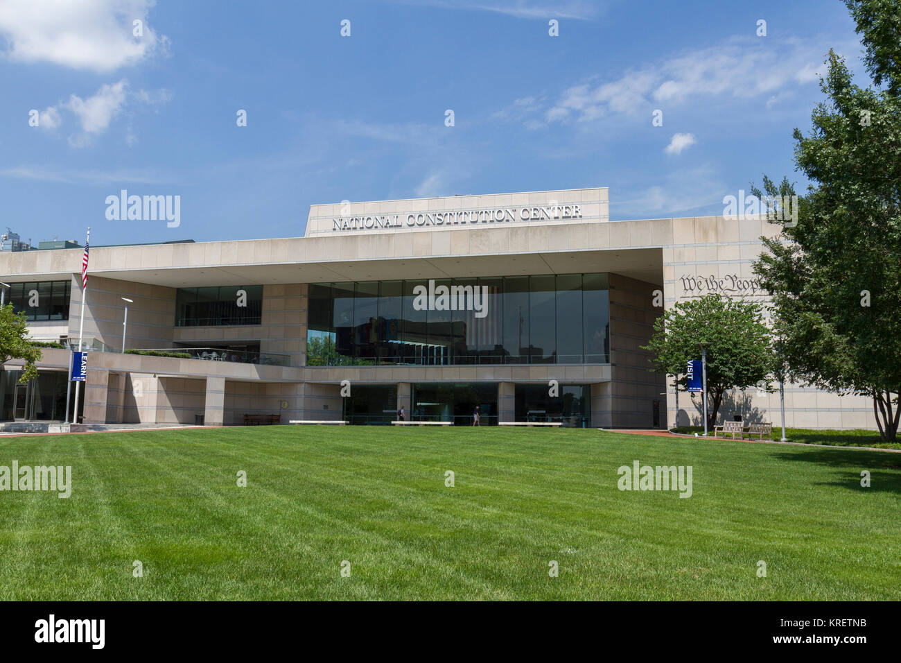 constitution center The national constitution center is a nonprofit, nonpartisan institution devoted to  explaining the united states constitution and what it represents located on.