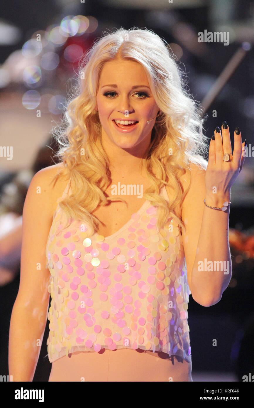 Top Weihnachtslieder.Stefanie Hertel Presenting Her Show Die Große Show Der Stock Photo