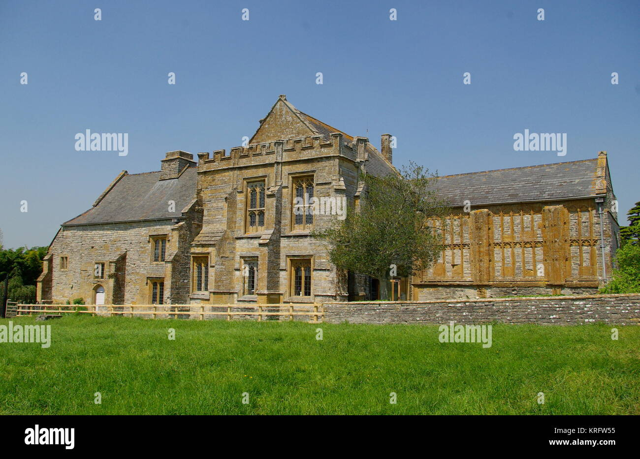 View of Muchelney Abbey, a Grade I listed building in the village of Muchelney, Somerset.      Date: 2014 - Stock Image