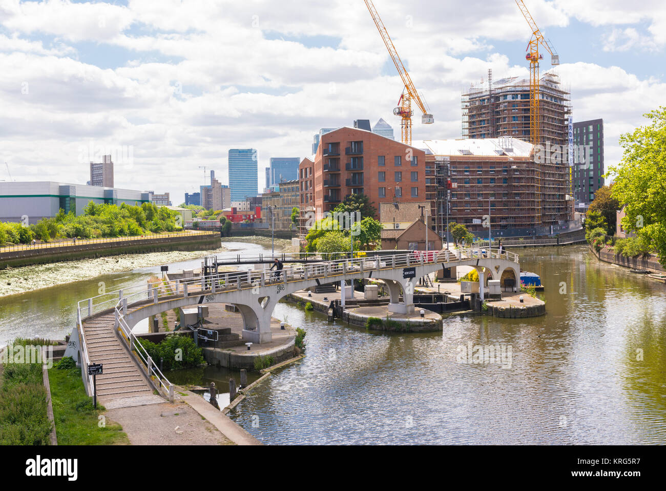Bow Locks, a set of bi-directional locks in Bromley-by-Bow and South Bromley in the London Borough of Tower Hamlets, - Stock Image