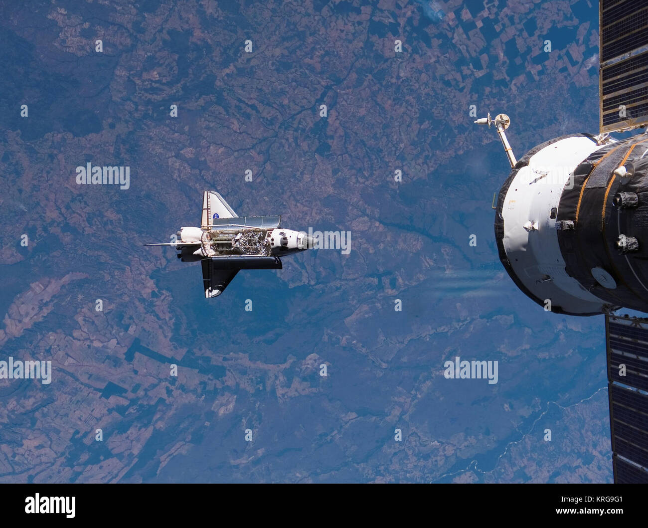 STS 117 approach - Stock Image