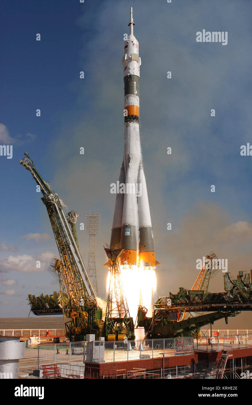 The Soyuz TMA-13 spacecraft, carrying Expedition 18 Commander Michael Fincke, Flight Engineer Yury V. Lonchakov - Stock Image