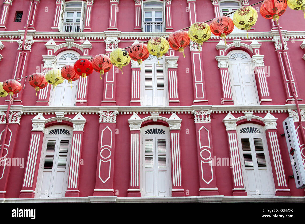 Shophouses at Chinatown in Singapore - Stock Image
