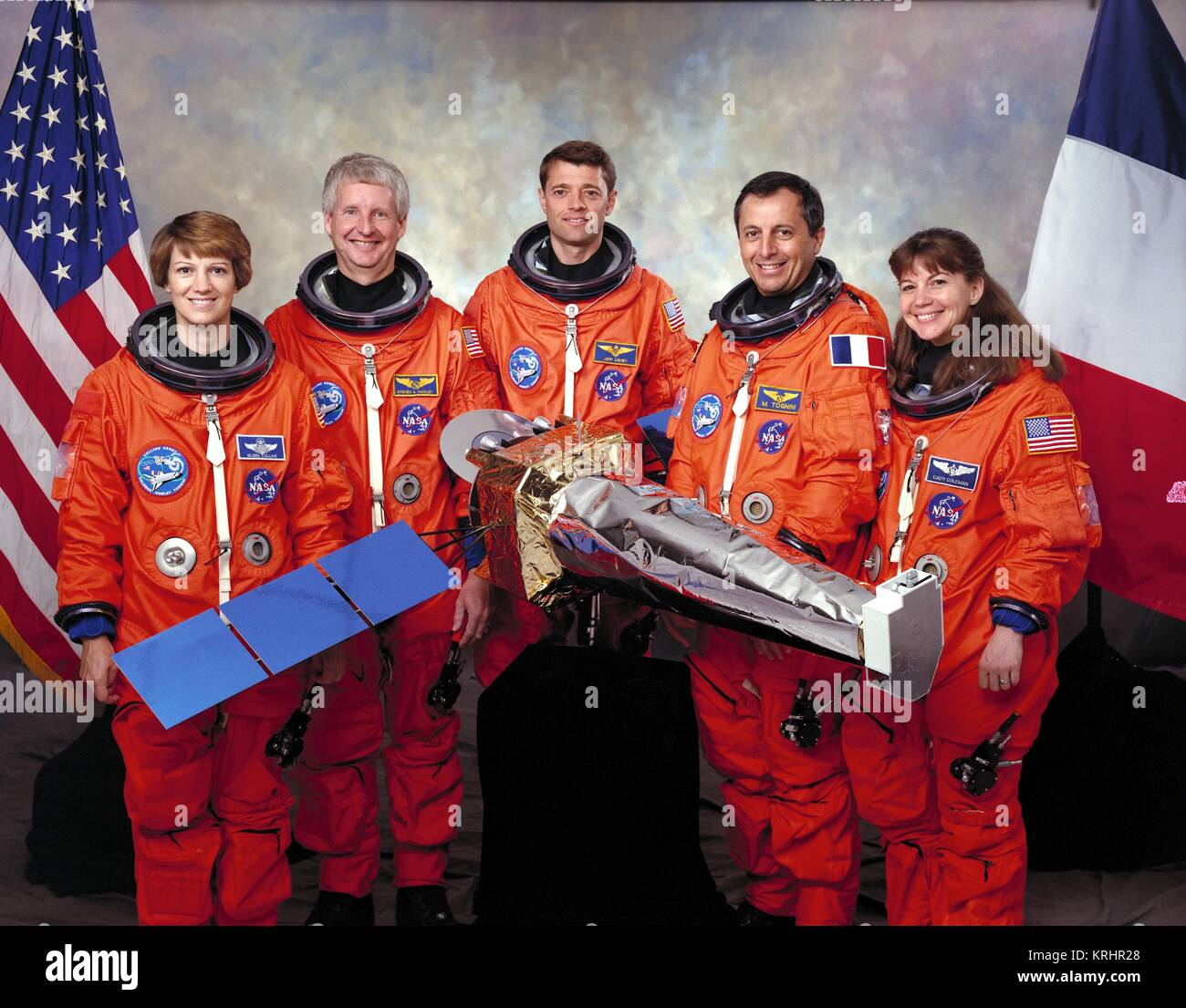 Official portrait of NASA Space Shuttle Columbia STS-93 prime crew members (L-R) American astronauts Eileen Collins, - Stock Image