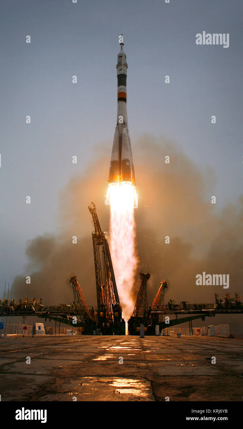 The Soyuz TMS-14 launches from the Baikonur Cosmodrome in Kazakhstan on Thursday, March 26, 2009 carrying Expedition - Stock Image