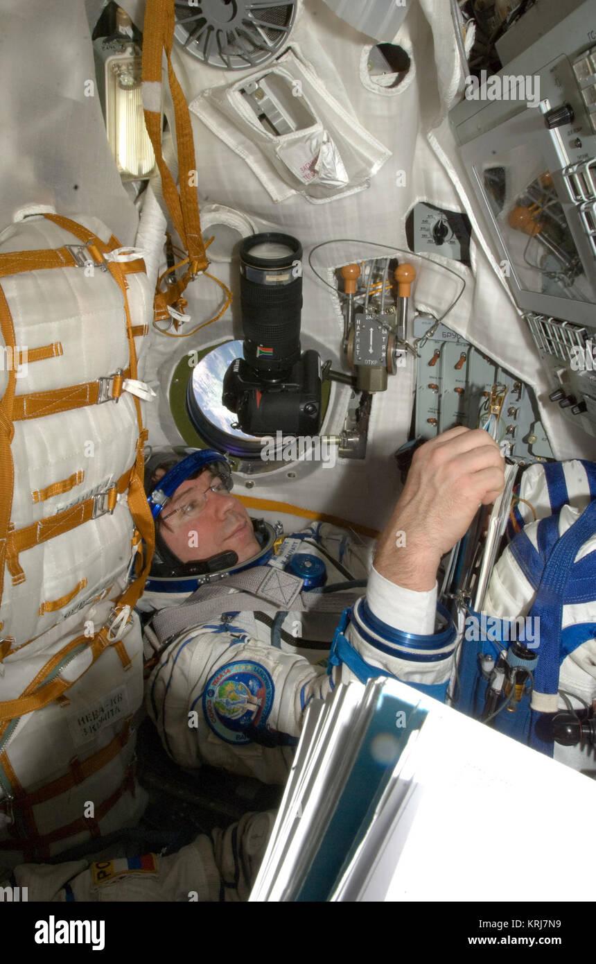 ISS-20 Michael Barratt in the Soyuz TMA-14 spacecraft - Stock Image