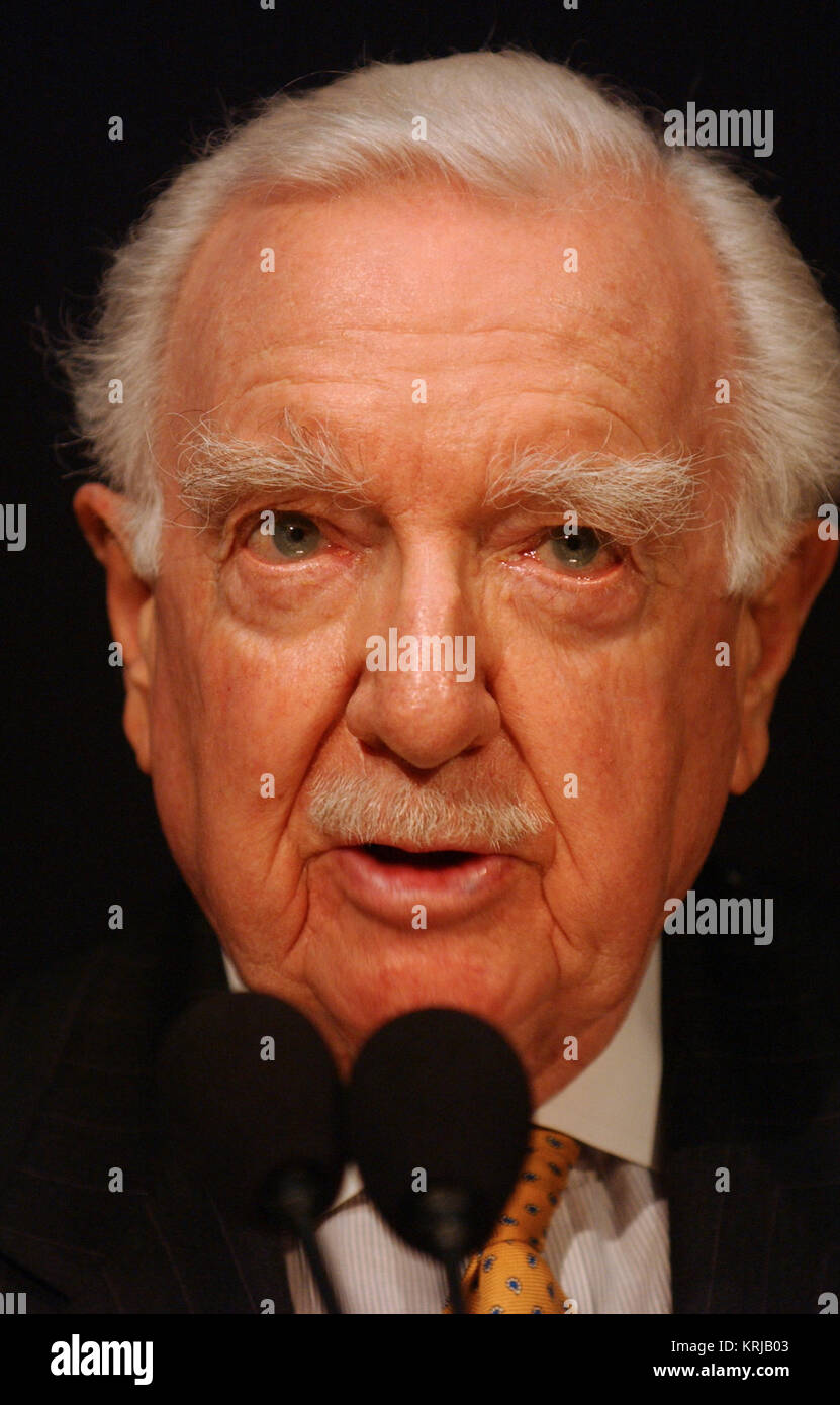 Walter Cronkite speaks at the STS-107 Columbia Remembrance at the National Air and Space Museum in Washington, DC. - Stock Image