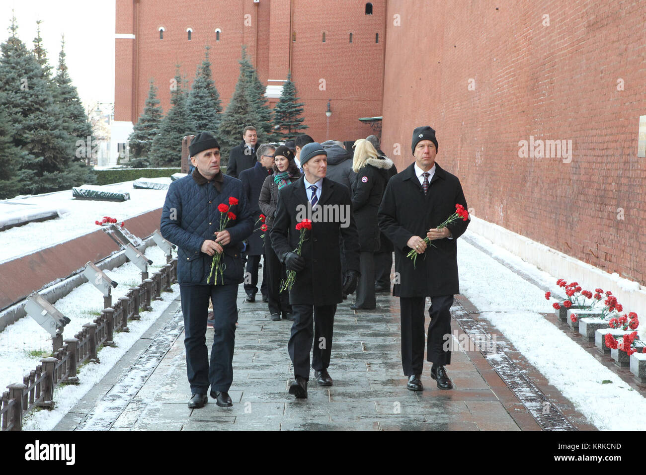 At the Kremlin Wall in Red Square in Moscow, Expedition 46-47 prime crewmembers Yuri Malenchenko of the Russian - Stock Image