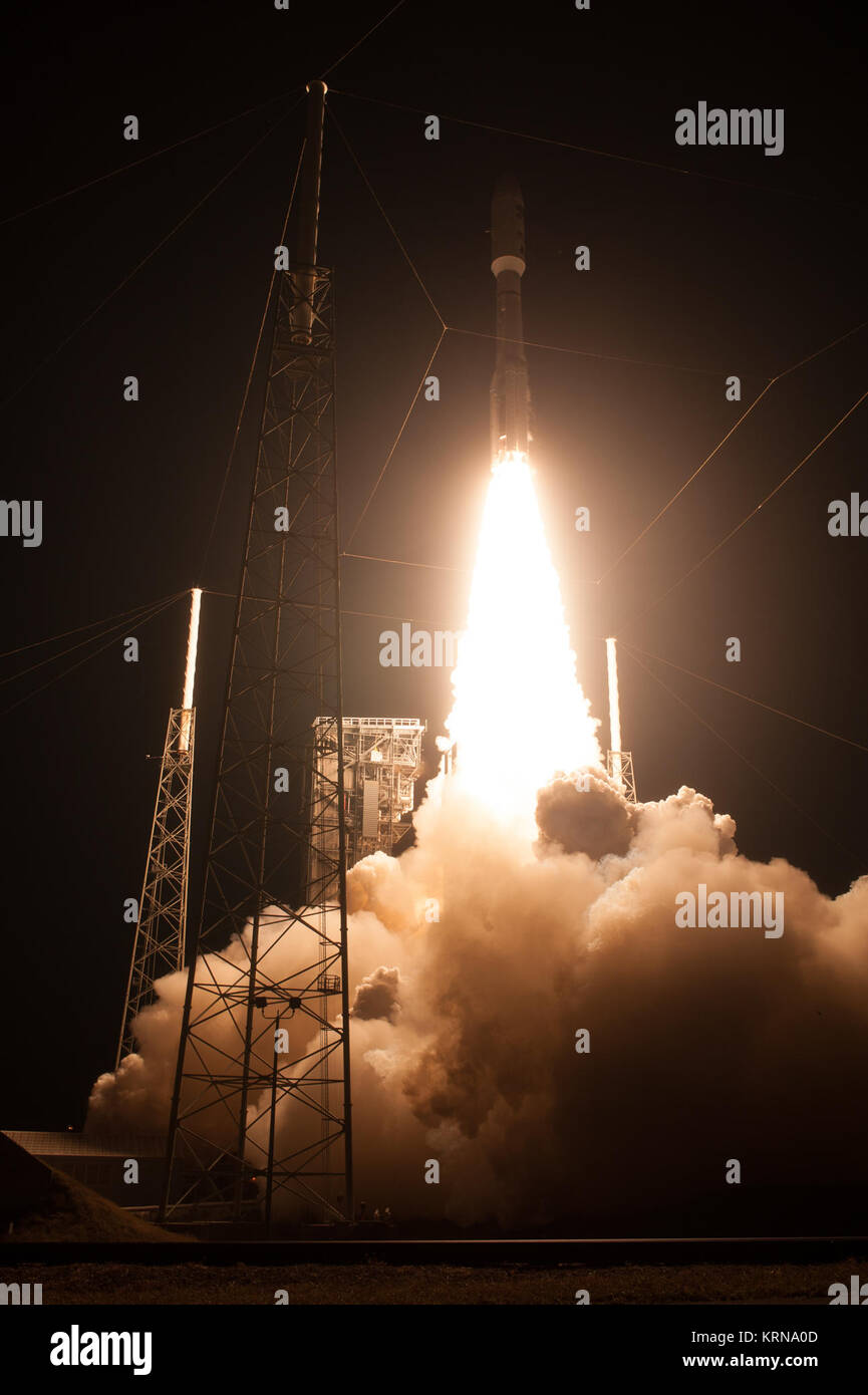 At Cape Canaveral Air Force Station's Space Launch Complex 41, an Atlas V rocket with NOAA's Geostationary - Stock Image
