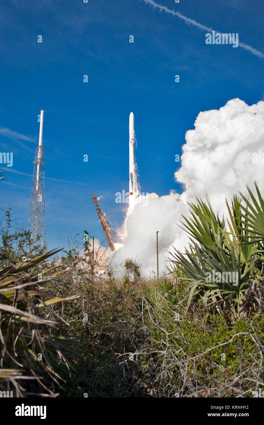 The two-stage Falcon 9 launch vehicle lifts off Space Launch Complex