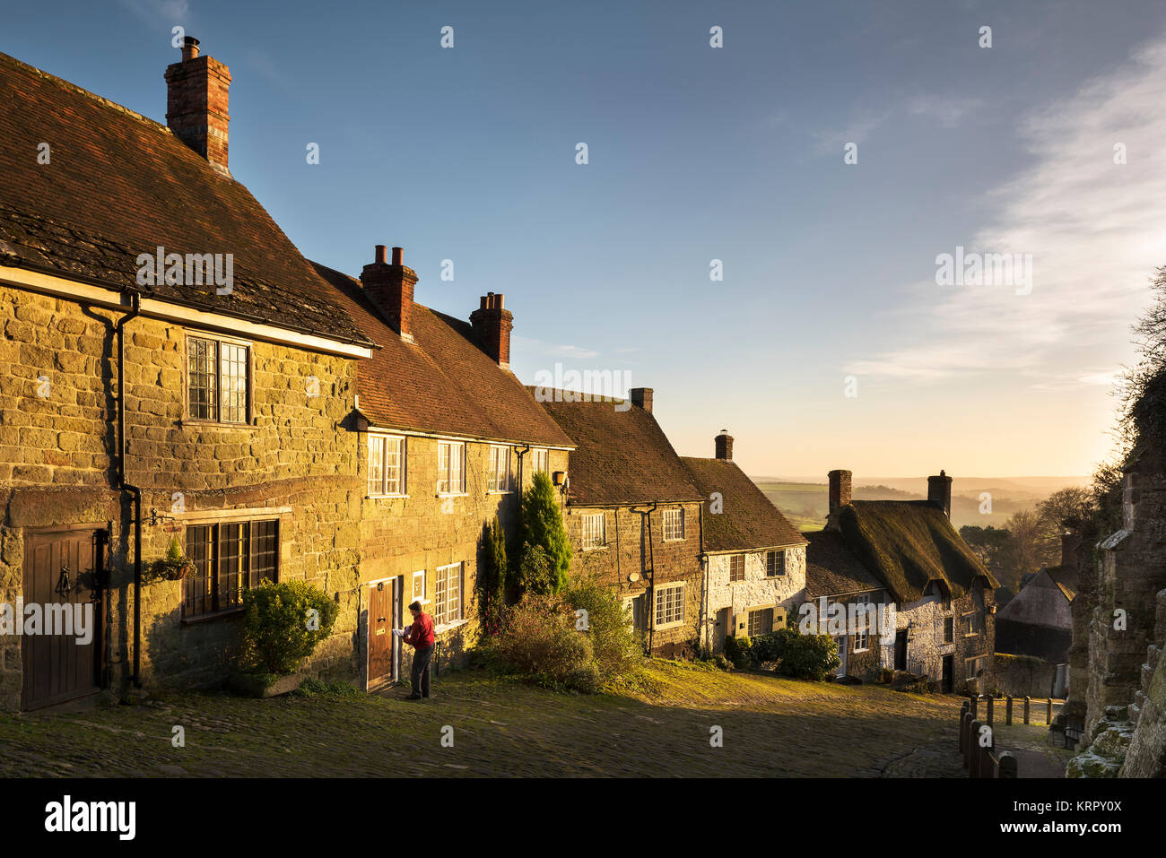 Gold Hill, Shaftesbury, Bathed In Winter Sunshine. - Stock Image
