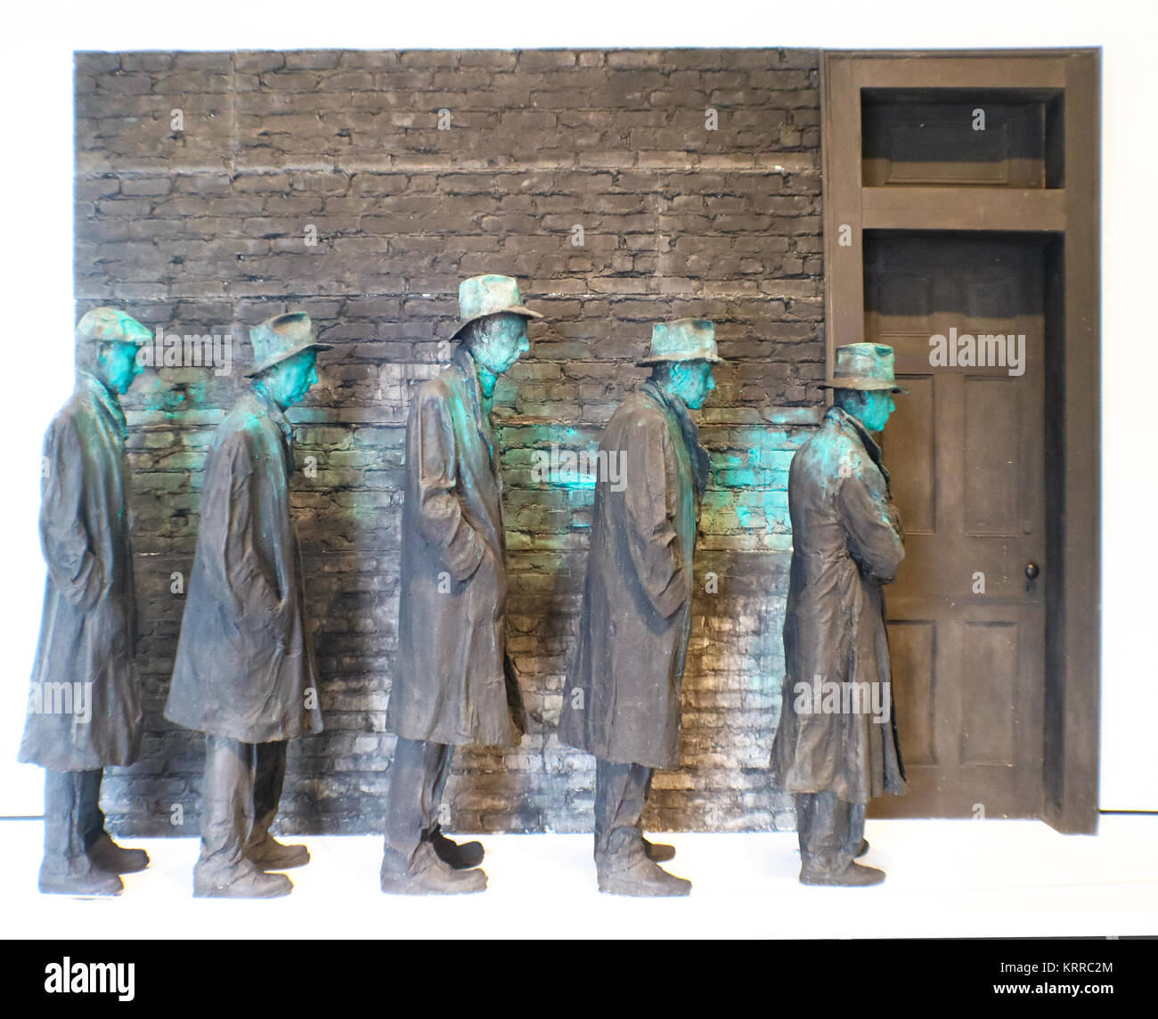 Sculpture of men lined up during US Depression at USA, Arkansas, Bentonville, Crystal Bridges Museum of American - Stock Image