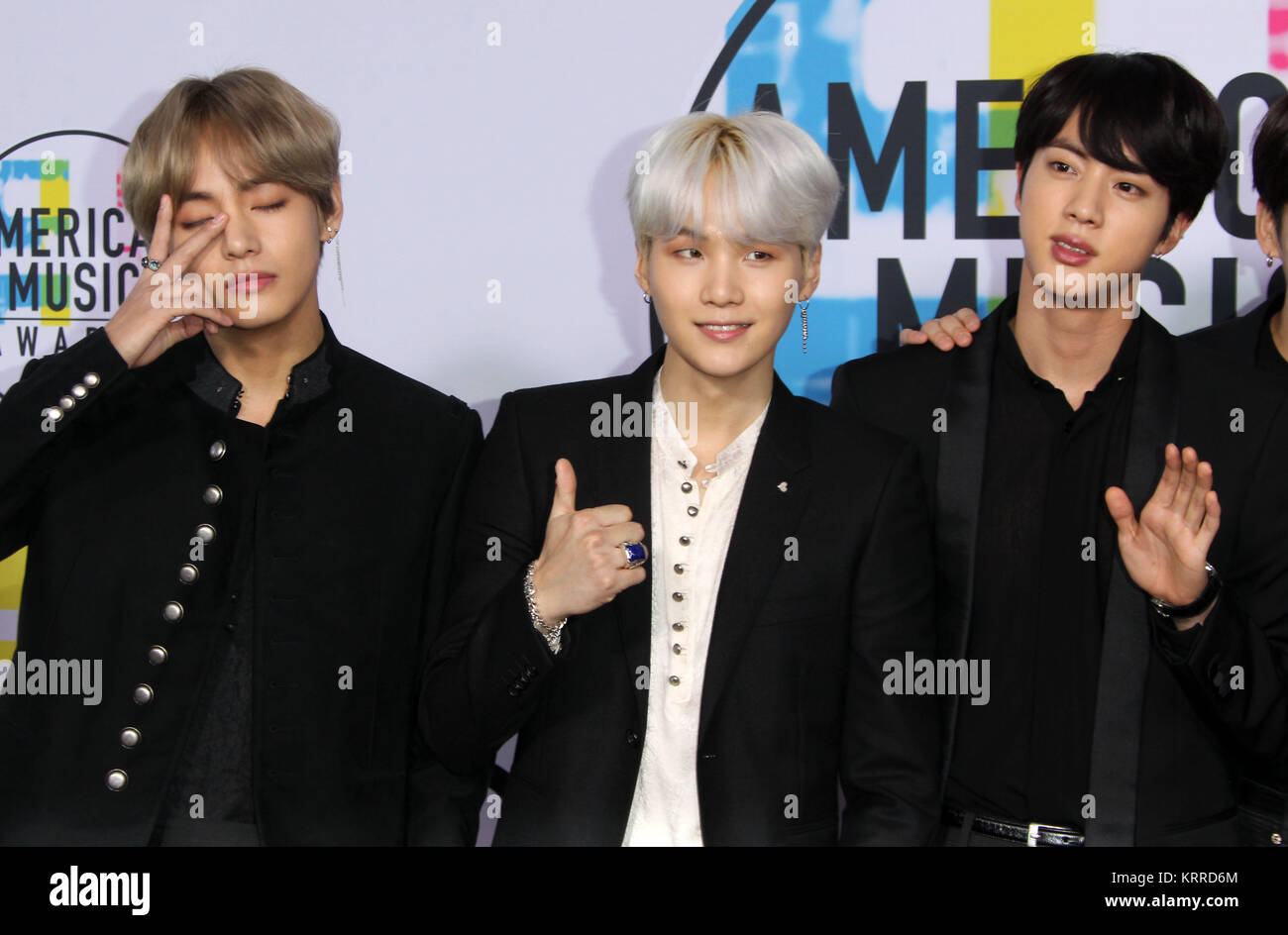 V Bts Ama 2017 >> 2017 American Music Ama Awards Arrivals Featuring Jin J Hope