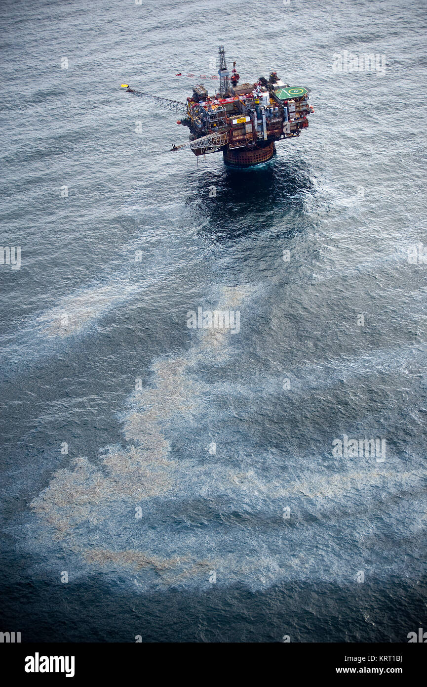 Ninian Central 3. Oelfoerderplattform in der Nordsee. - Stock Image