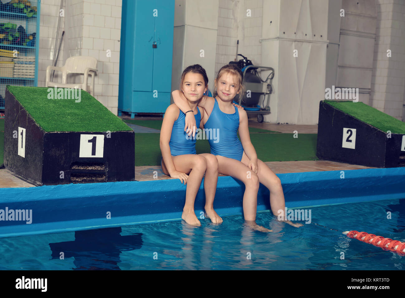 Swimming pool jailbai tteens — 14