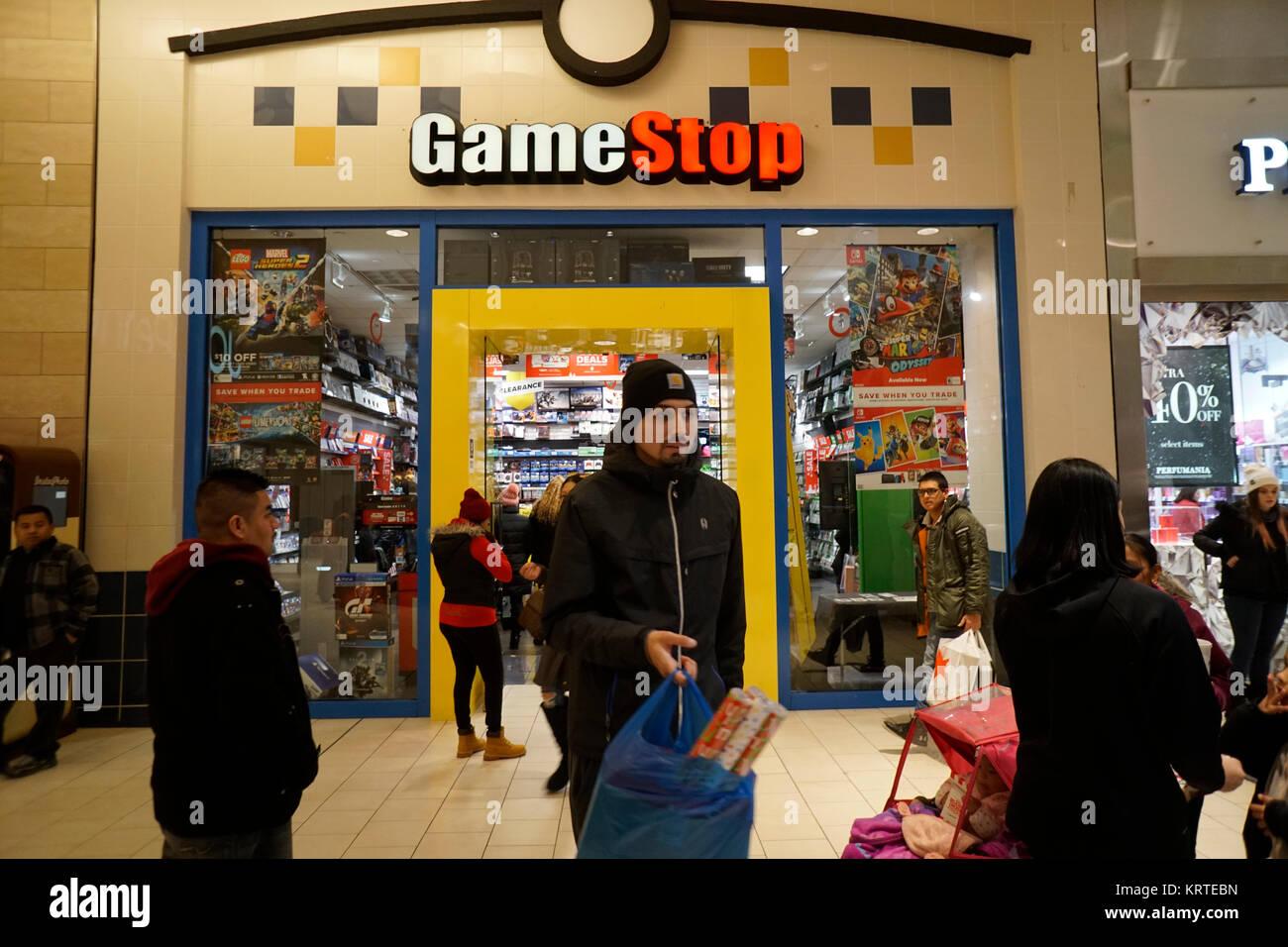 Gamestop Store Stock Photos & Gamestop Store Stock Images