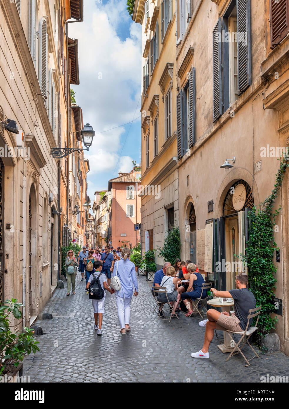 Sidewalk cafe on Via dei Coronari in the centro storico, Rome, Italy - Stock Image