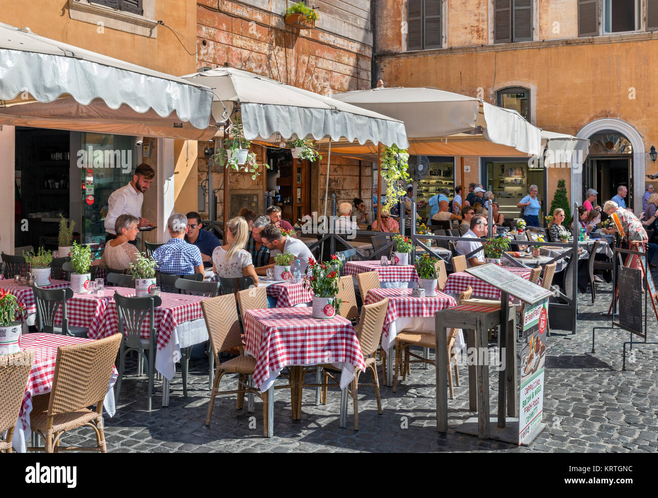 Sidewalk restaurant on Piazza della Rotonda in the centro storico, Rome, Italy Stock Photo