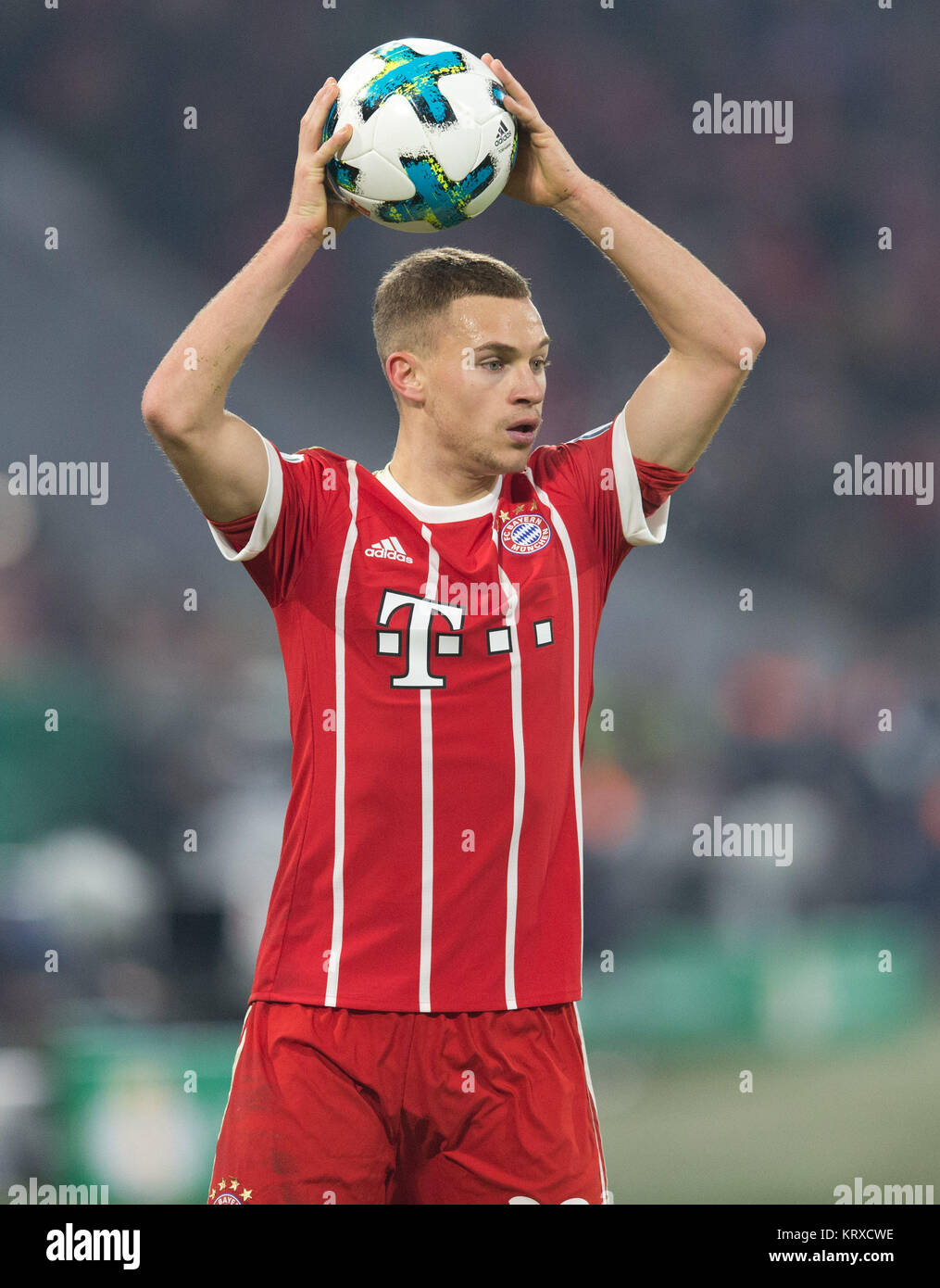 Joshua Kimmich Fc Bayern With Ball Einzelaktion Ges
