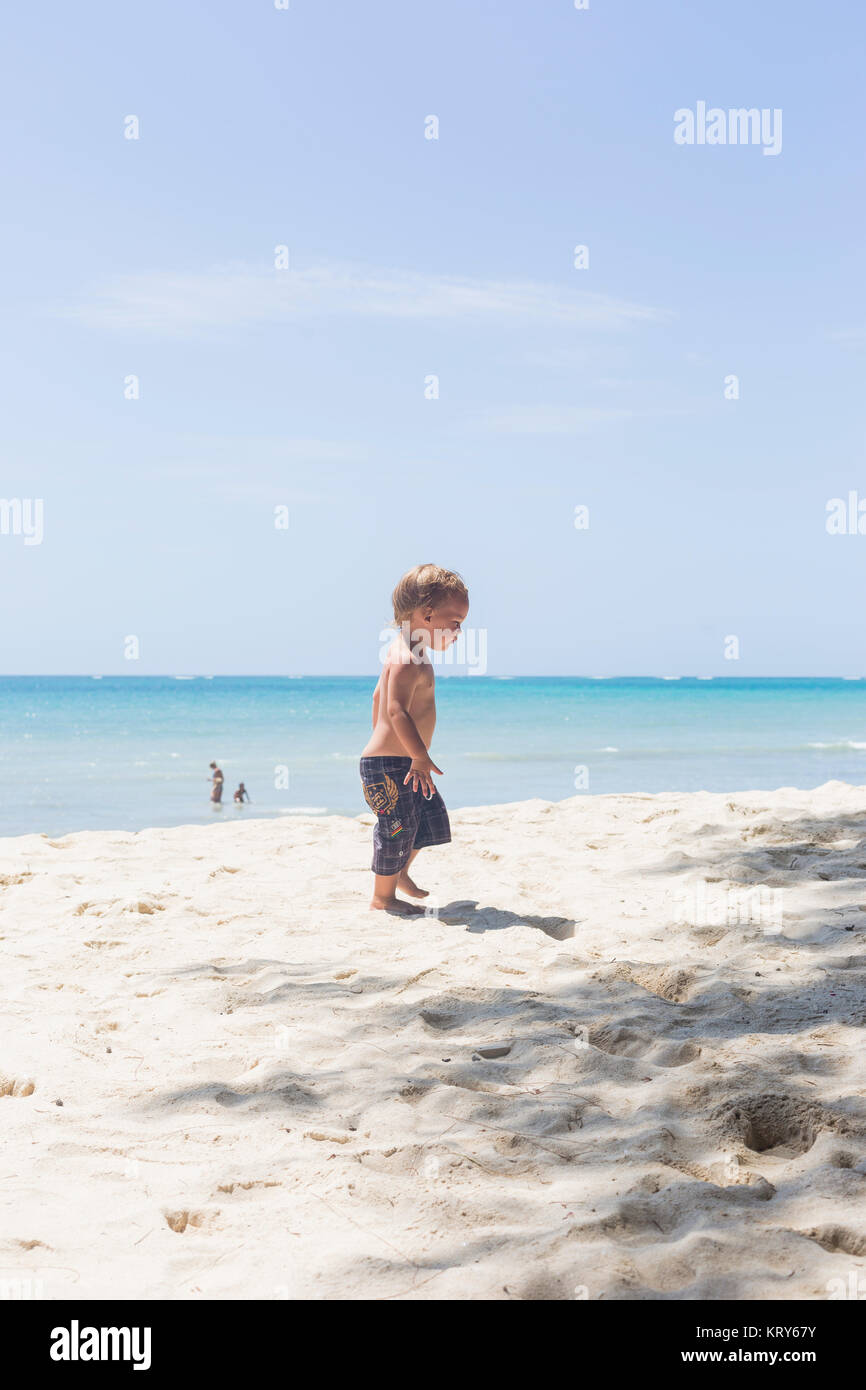 Toddler on Diani Beach in Kenya - Stock Image