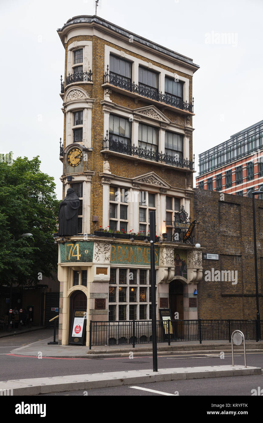 LONDON, UK - JUNE 18, 2013: wedge-shaped art nouveau building of the Black Friar Pub on Queen Victoria Street in Stock Photo